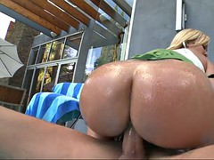 austin taylor impales her fat pussy her high horse shlong for a ride