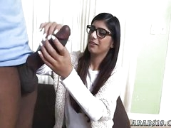 Fat arab with an increment of foot fetish xxx Mia Khalifa Tries A Big Black