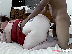Chubby BOOTY MOM LOVES Starless COCK