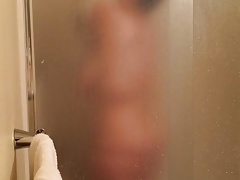 Voyeur Chubby wife with big tits pendent in bathroom shower
